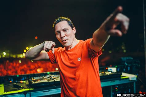 Tiësto And Kshmr Share New, Euphoric Id With Ultra And We