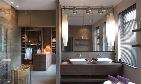 chambre avec salle de bain ouverte et dressing plan de suite parentale avec salle de bain dressing 5
