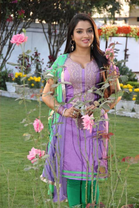 benoit magimel natal chart bhojpuri actress top 10 28 images top 10 most