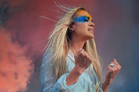 Carrie Underwood Brings People Together In 'love Wins' Video