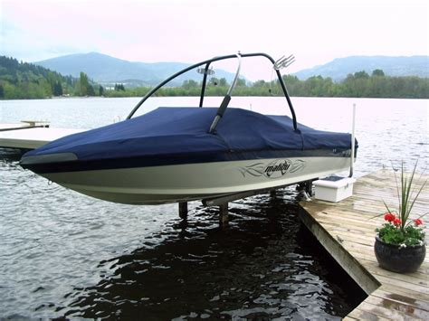 Used Boat Lifts For Sale Lake Of The Ozarks by Sunstream Boat Lifts 187 Sunlift The Original Freestanding