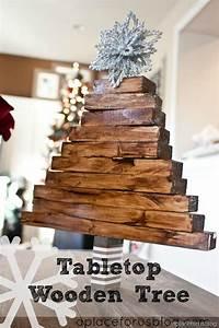 Easy Christmas Craft {Wooden Christmas Tree
