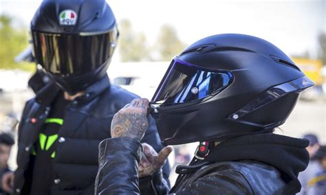 Best Motorcycle Helmet Of 2019 Complete Reviews With