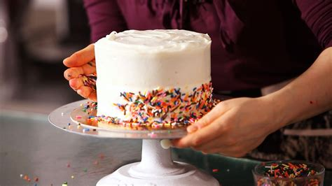 design a cake how to decorate a cake with sprinkles cake decorating