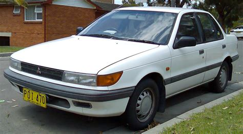 File:1988-1990 Mitsubishi Lancer (CA) GLX sedan 01.jpg ...