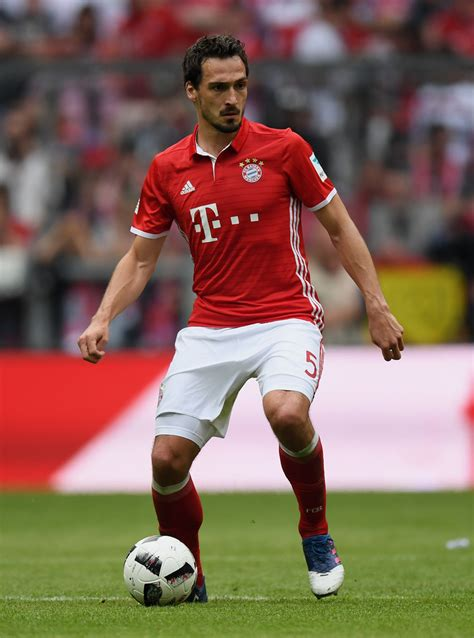 Fc bayern münchen, world cup winner mats hummels (27) and borussia dortmund have agreed terms we are delighted that mats hummels has decided in favour of fc bayern, commented fc. Mats Hummels - Mats Hummels Photos - Bayern Muenchen v FC ...