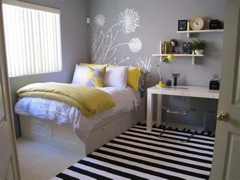 Ideas Decorating Grey And Yellow Bedroom