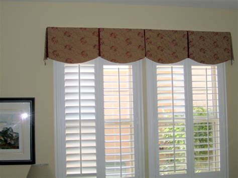 curtain rod for bay window scalloped box pleat valance transitional bedroom