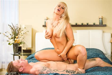 Holly Heart And Richie Black In My Friend S Hot Mom