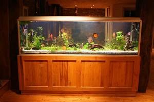 Aquarium Unterschrank Bauen : aquarium unterschrank bauen anleitung in 6 schritten ~ Frokenaadalensverden.com Haus und Dekorationen