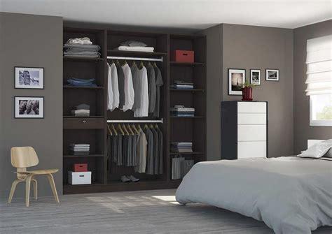 modèles de placards de chambre à coucher placard aménagé en dressing avec portes coulissantes sur