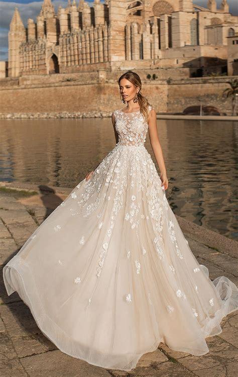 Модные свадебные платья осеньзима 20182019 тенденции фото новинки . You in Fashion