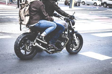 4 Common Mistakes Beginner Motorcycle Riders Make