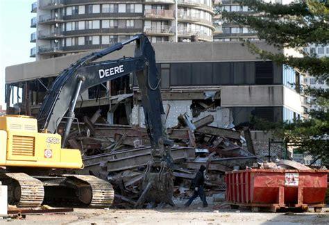 Dune Deck Westhton Demolition by Former Advocate Offices Demolished Newstimes