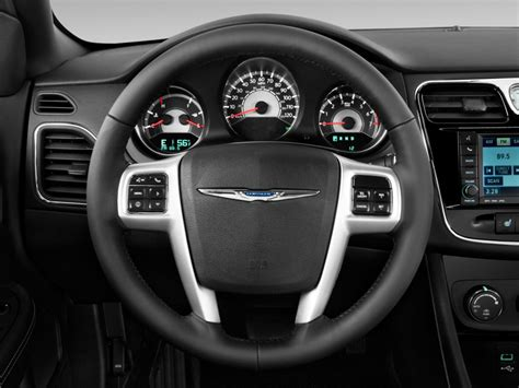 image  chrysler  steering wheel size