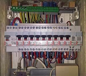 Installer Un Tableau électrique : montage d un tableau lectrique tuto lectricit ~ Dailycaller-alerts.com Idées de Décoration