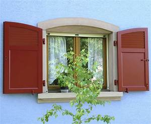 Haus Mit Fensterläden : fensterl den praktische zierde f rs haus ~ Eleganceandgraceweddings.com Haus und Dekorationen