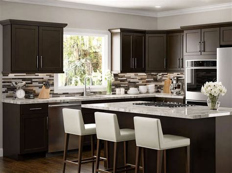Find kitchen backsplash ideas featuring the latest trends along with classic styles and diy installation advice. 3 Backsplash Ideas to Match Your Kitchen Cabinets ...