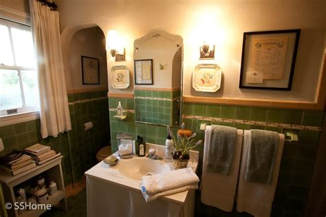 Vintage 's Style Bathrooms Redesigned