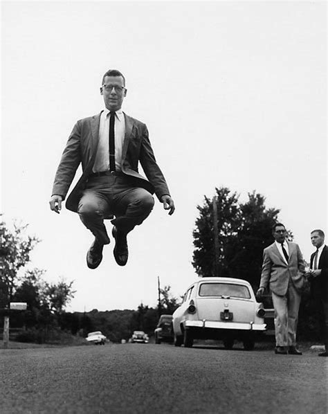 jump photography  philippe halsman  art pics