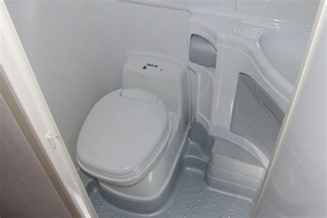 rv bathroom toilet shower combo  web