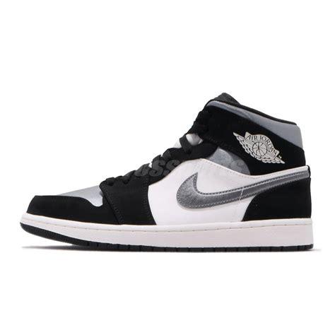 Boyner ayricaligi ile sahip olacaginiz nike ayakkabilar da sikligi ve rahatligi bir arada sunuyor. Nike Air Jordan 1 Mid I AJ1 Satin Smoke Grey Toe Black Men ...