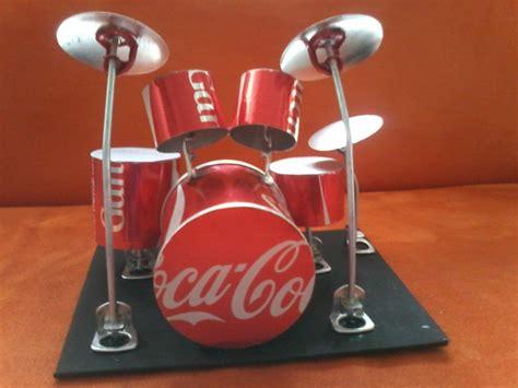 Bahan kaleng aluminium, ukuran p = 9,5 cm, l = 6,5 cm. Cara Membuat Miniatur Drum Dari Kaleng Bekas
