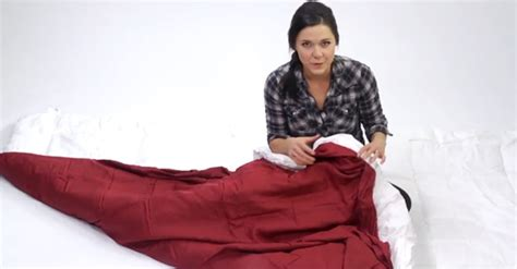 What Do You Put In A Duvet by She Reveals The Secret To Putting On A Duvet Cover In Seconds