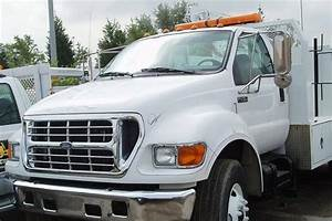 2000 To 2004 Ford F650  F750  F850 Hood
