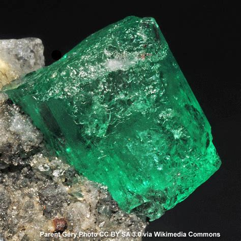 emerald crystal meanings