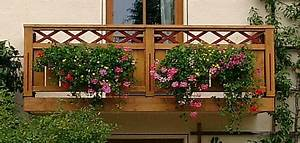 Balkon Blumenkasten Holz : balkon und balkongelaender aus holz ~ Orissabook.com Haus und Dekorationen