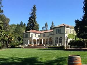 Sonoma Wineries Open to Public