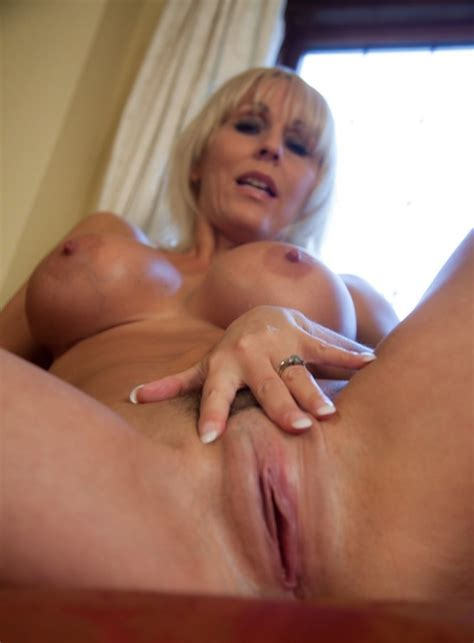 Milf Jan Burton Posing Her Pussy Porn Pic Eporner