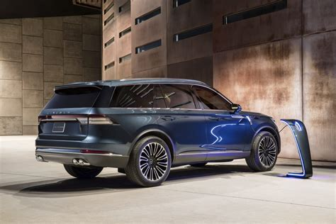 2019 Lincoln Aviator Three Rows, Hybrid, And Inspired By