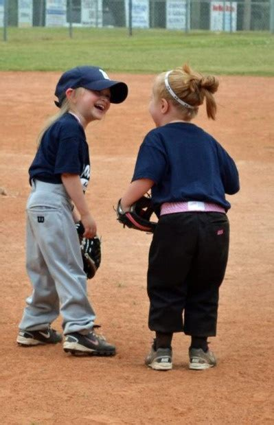 laughing this reminds me of theresa out t 305 | 2d6990c052687b30cb315cba32be5de0 softball players girls softball