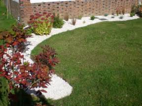 Jardin Cailloux Blancs by Exceptionnel Massif Avec Cailloux Blanc 8 Deco Jardin
