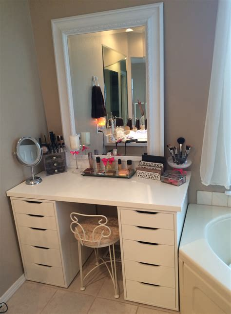 Makeup Vanity Table Furniture Set In White Color With