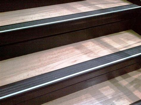 stair tread runners lowes vinyl stair treads lowes founder stair design ideas