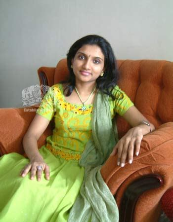 telugu cinema news singer manjari celebrity