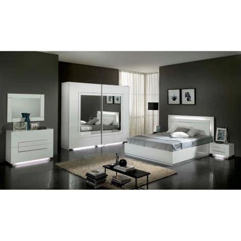 chambre à coucher modèle city laquee blanche avec armoire