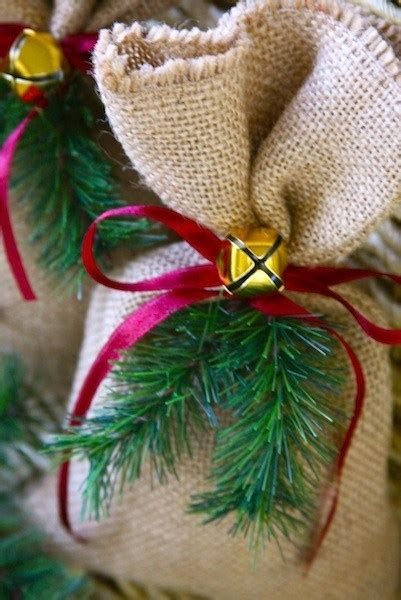 easy burlap christmas gift bags party ideas