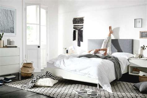 black  white bedroom  steps     tlc