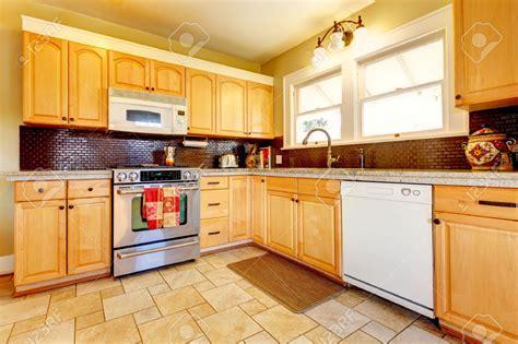 kitchen kitchen backsplash ideas with oak cabinets cabin