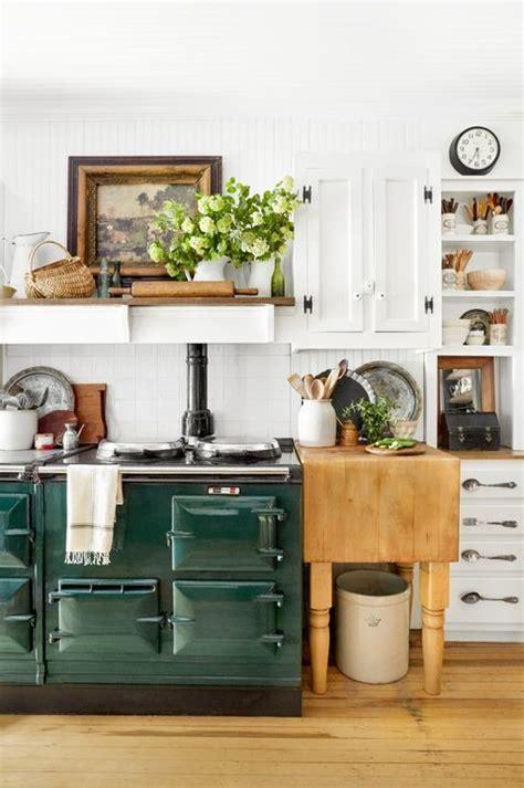 I especially love the unique farmhouse decor idea above {via crown point cabinetry }. 60 Best Farmhouse Style Ideas - Rustic Home Decor