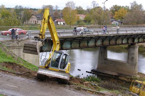 Fotogalerija: Ieskats nesenā vēsturē - kā tapa jaunais tilts pār Gauju Valmierā - Valmieras Ziņas
