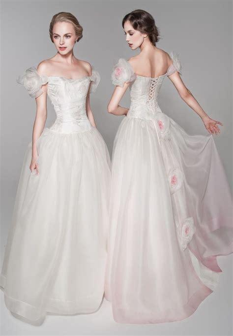 Whiteazalea Elegant Dresses: Vintage Ball Gowns For
