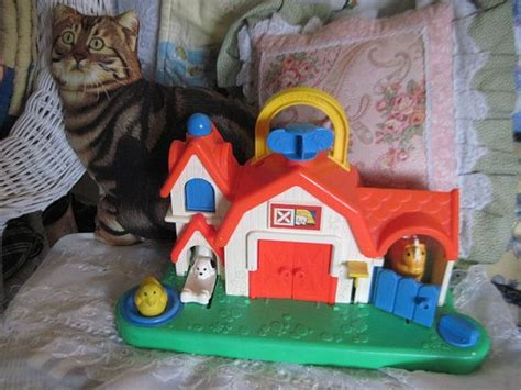 Fisher Price Barn Toy 1987 /busy Box With Animal Sounds