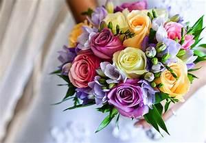 Bouquet De Fleurs : les bouquets de fleurs pour une occasion quelles fleurs choisir ~ Teatrodelosmanantiales.com Idées de Décoration