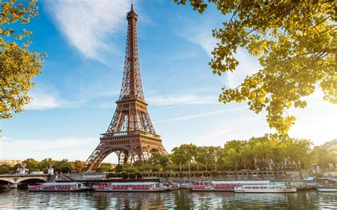 eiffel tower 35 surprising facts about the eiffel tower serious facts