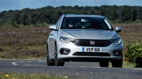 Fiat Tipo 16 Multijet 120 Lounge 2018 Review By Car